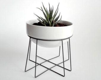 Geometric Plant Stand Spider With A Ceramic White Flower Pot Himmeli Elegant Geo Deco Plantes Interieur Terrarium Geometrique Pots De Fleurs En Ceramique