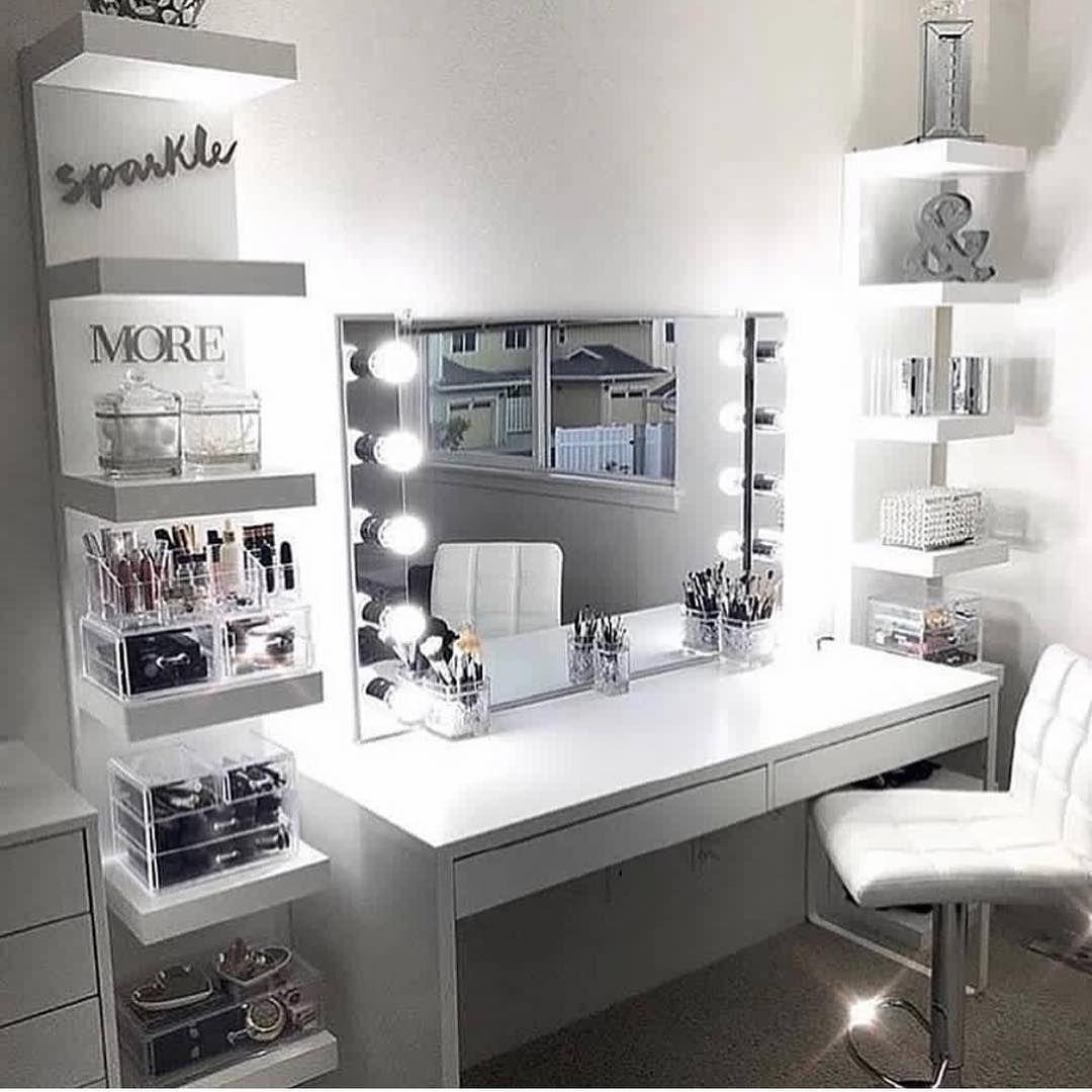 "Gamze on Instagram: ""Schminktisch-inspo ️ anzeige #organizer #makeuporganizer #makeup #makeupaddict #interiordesign #interior #interiors…"""