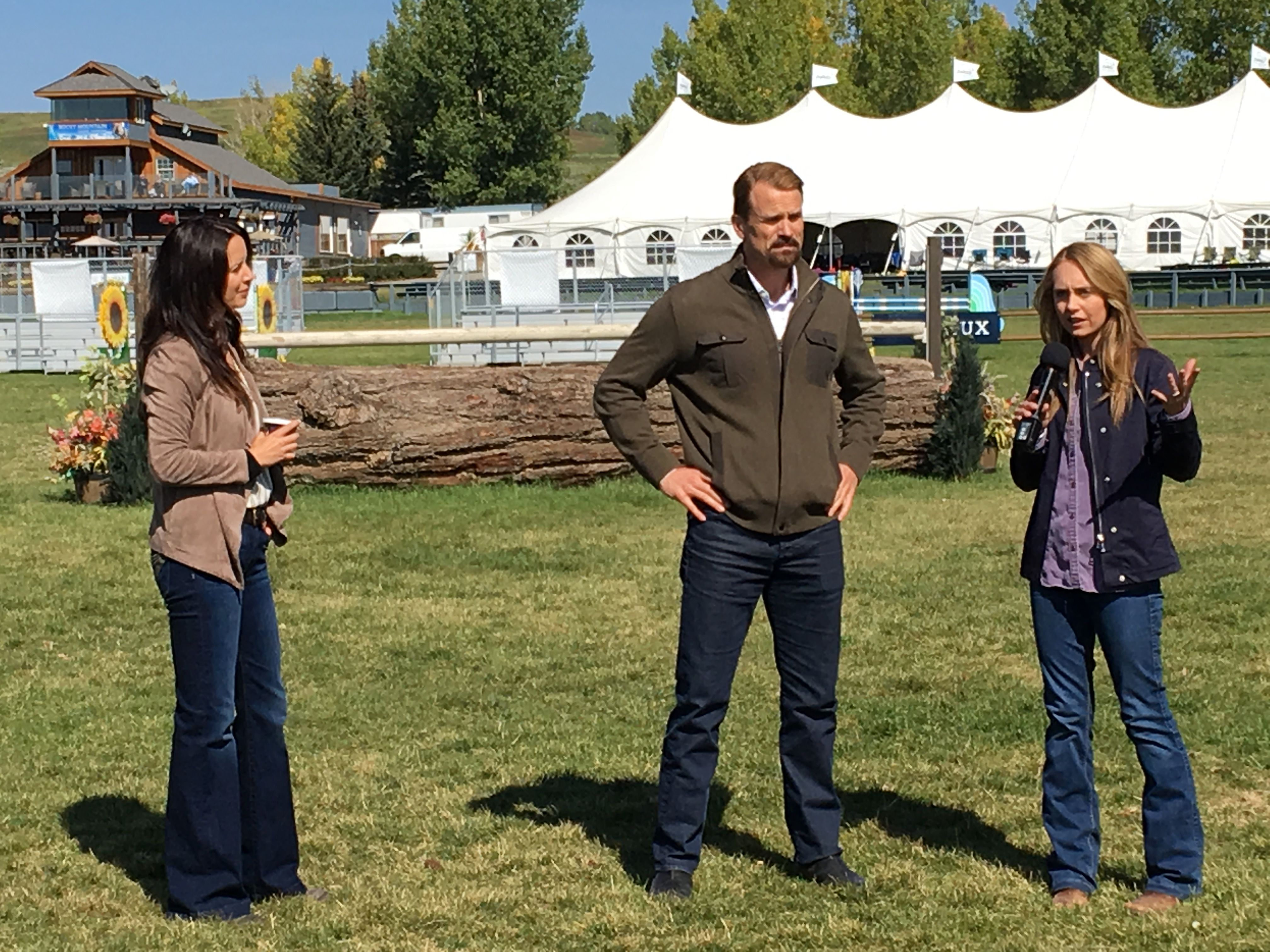 Gabriel Hogan Michelle Morgan Gabriel Hogan And Amber Marshall Bts Heartland