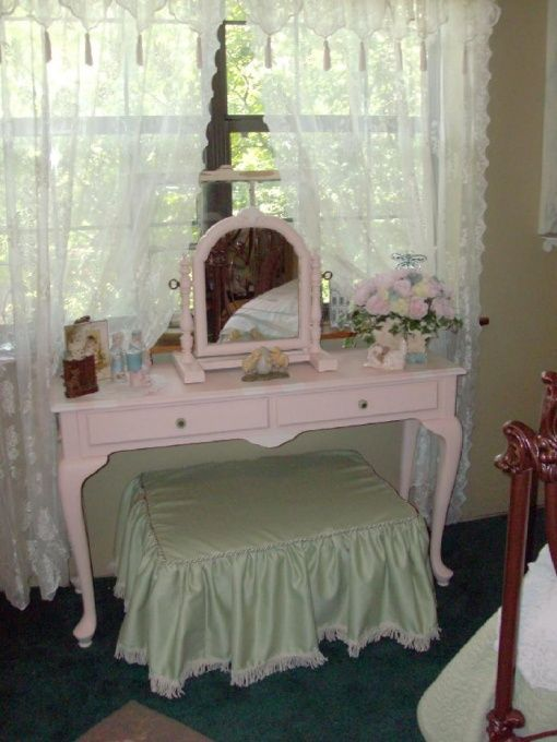 Victorian Shabby Chic Decor Guestroom Make Over This Used To Be My Funky