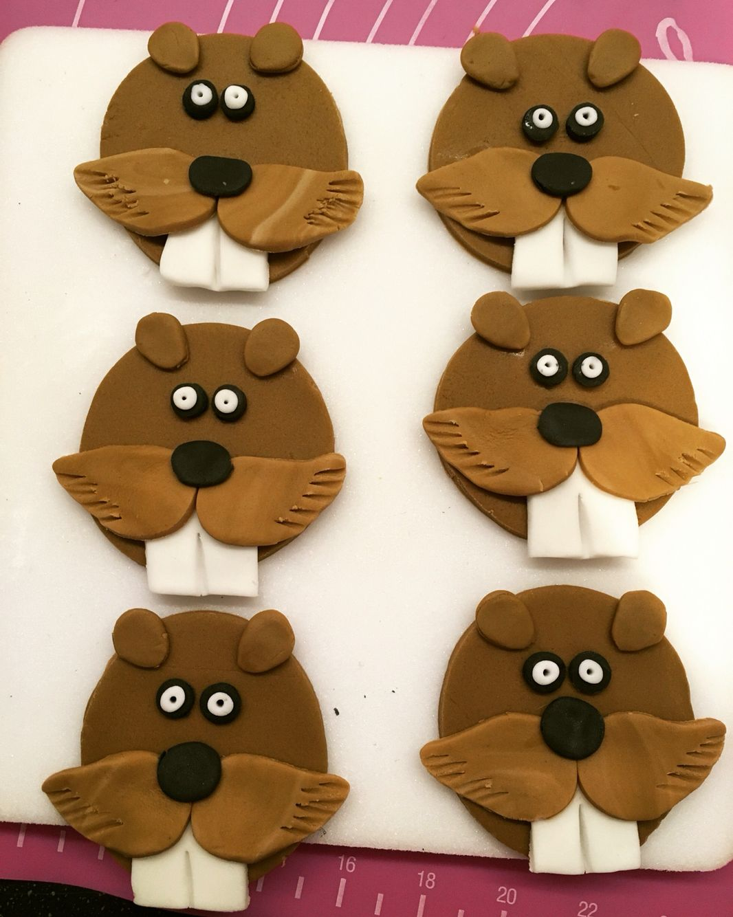 Beaver toppers for cupcakes