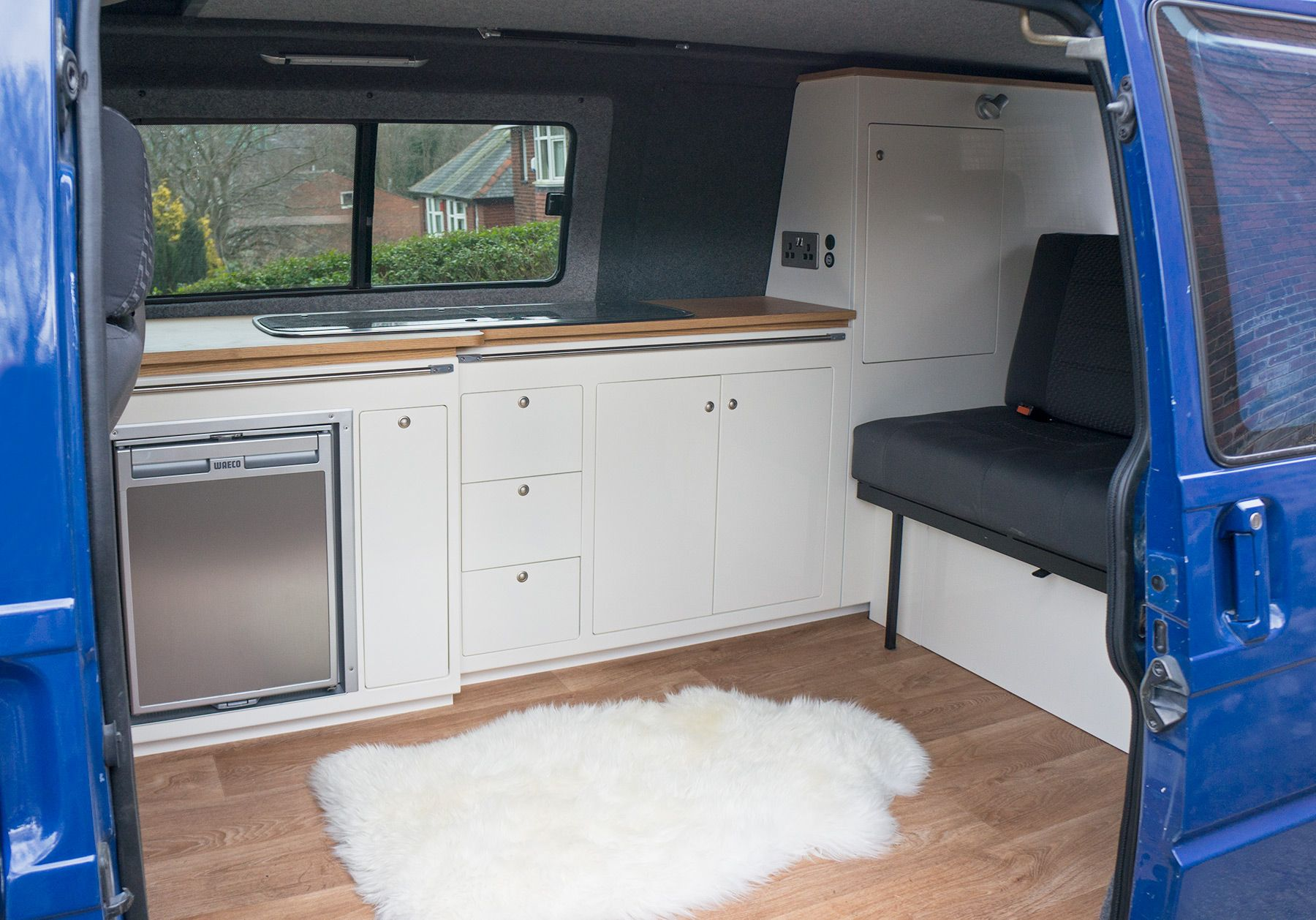 Daisy t4 lwb interior campervan interiors pinterest for Vw t4 interior designs