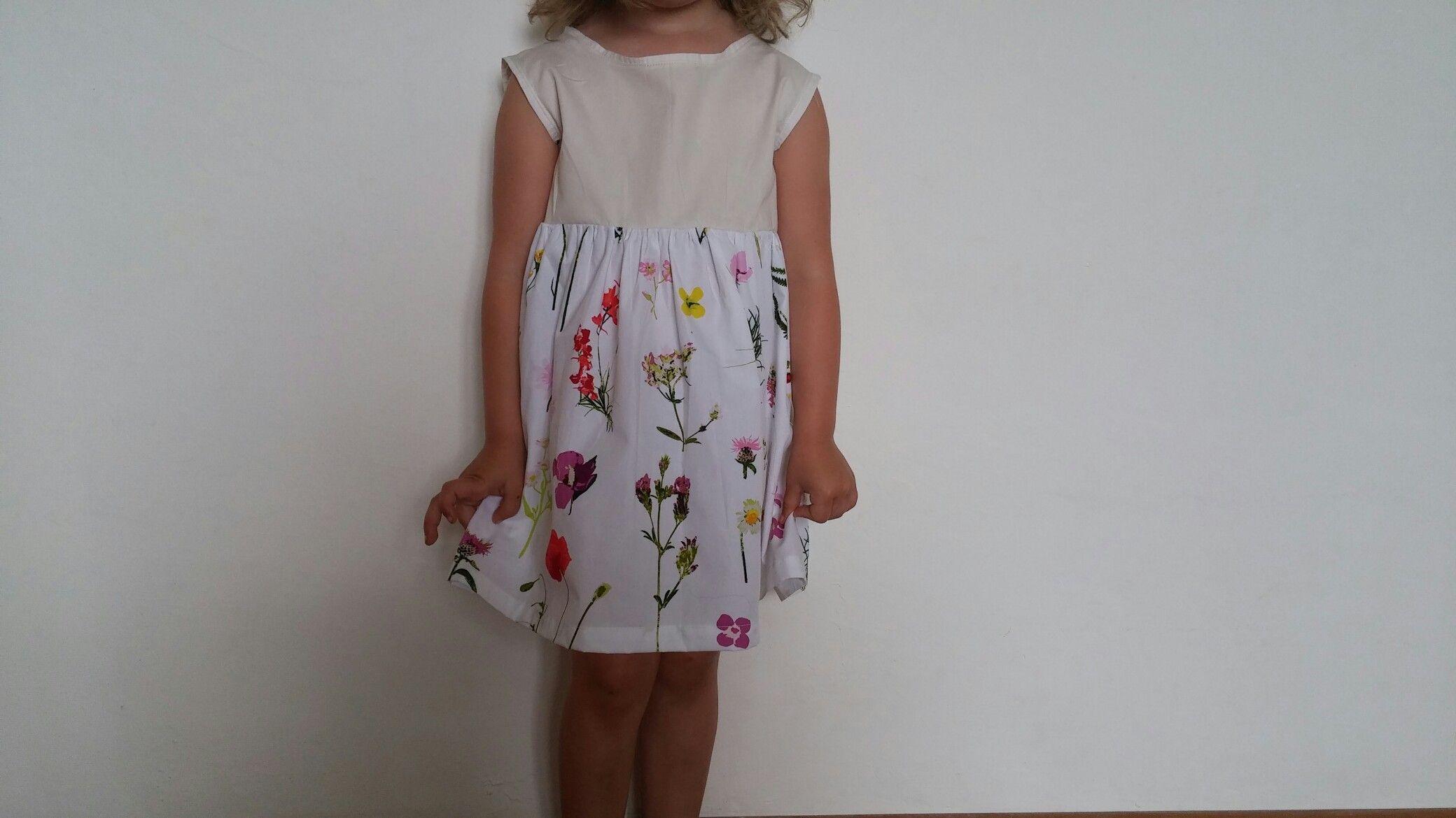 Mädchenkleid Stoff von Fadengold, Schnitt cupcake