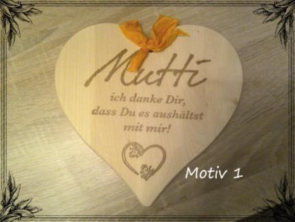 Holz Herz verschiedene Motive in Bayern Schöllnach