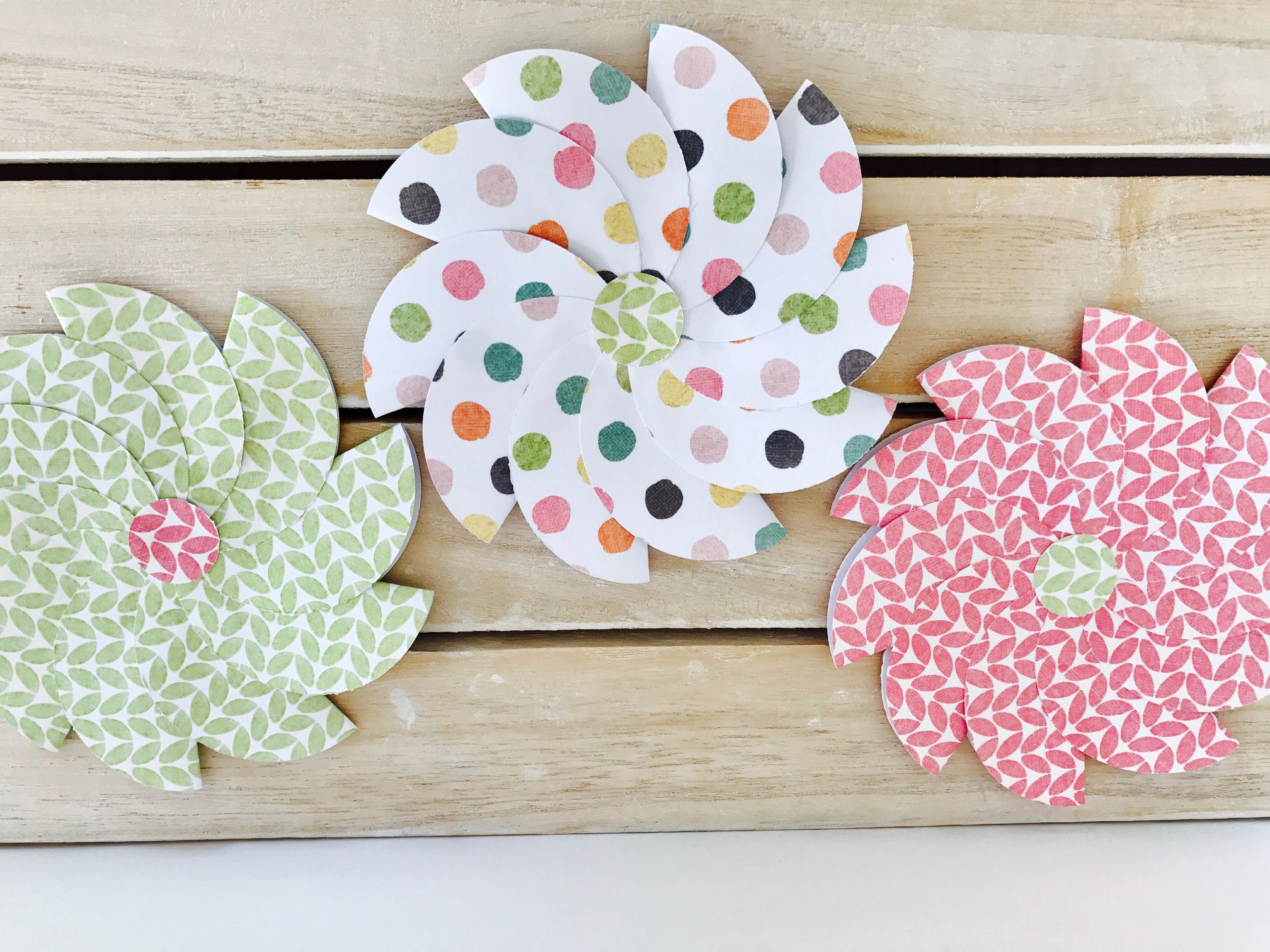 Paper Circle Rosette Easy Paper Crafts Rosettes And Paper Rosettes