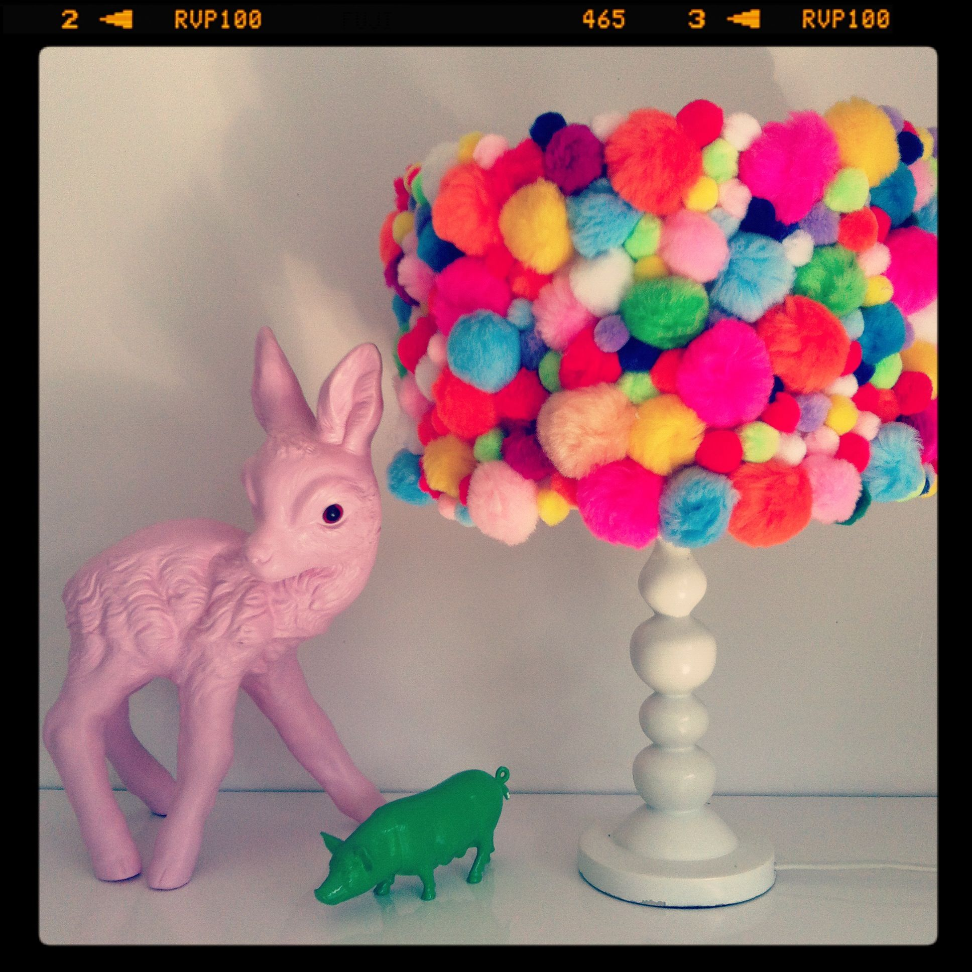 Pom pom lamp that 39 s a little bit cute rv crafty for Cute pom pom crafts