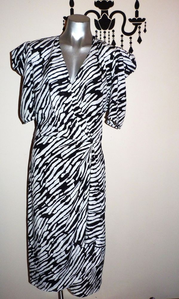 VINTAGE 80 s BLACK & WHITE PUFF SLEEVE RETRO