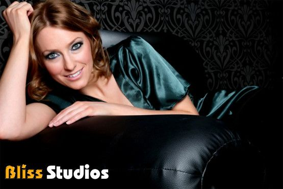 £10 for 1 person or £15 for 2 people for a MAC makeover, photoshoot, mini-facial & 2 images on a CD at Bliss Studios – save 97%