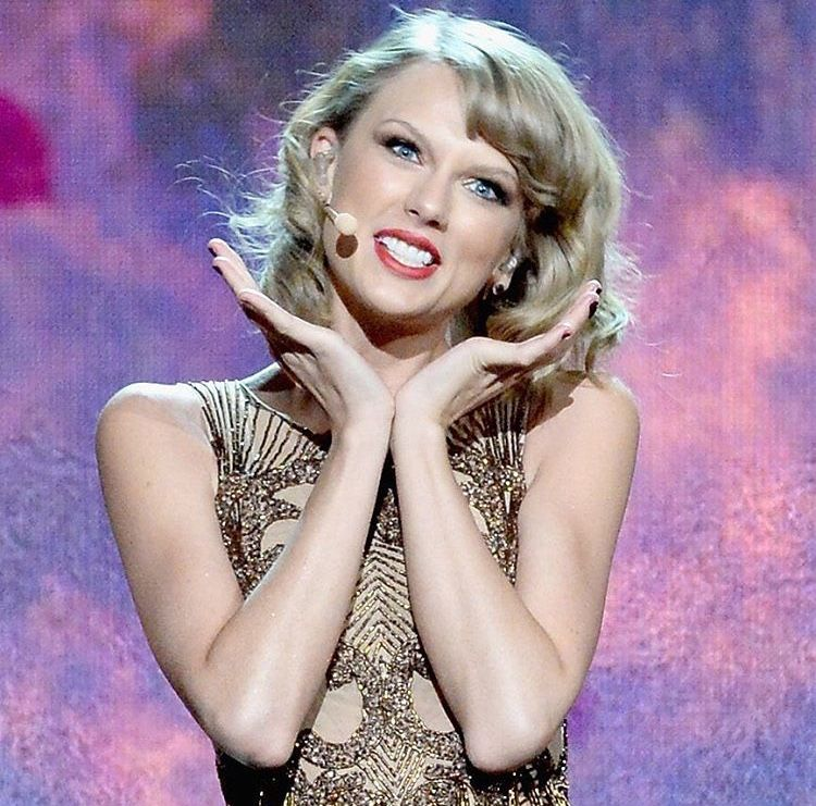PIs NdeeLL Taylor Swift WallpaperBlank Space