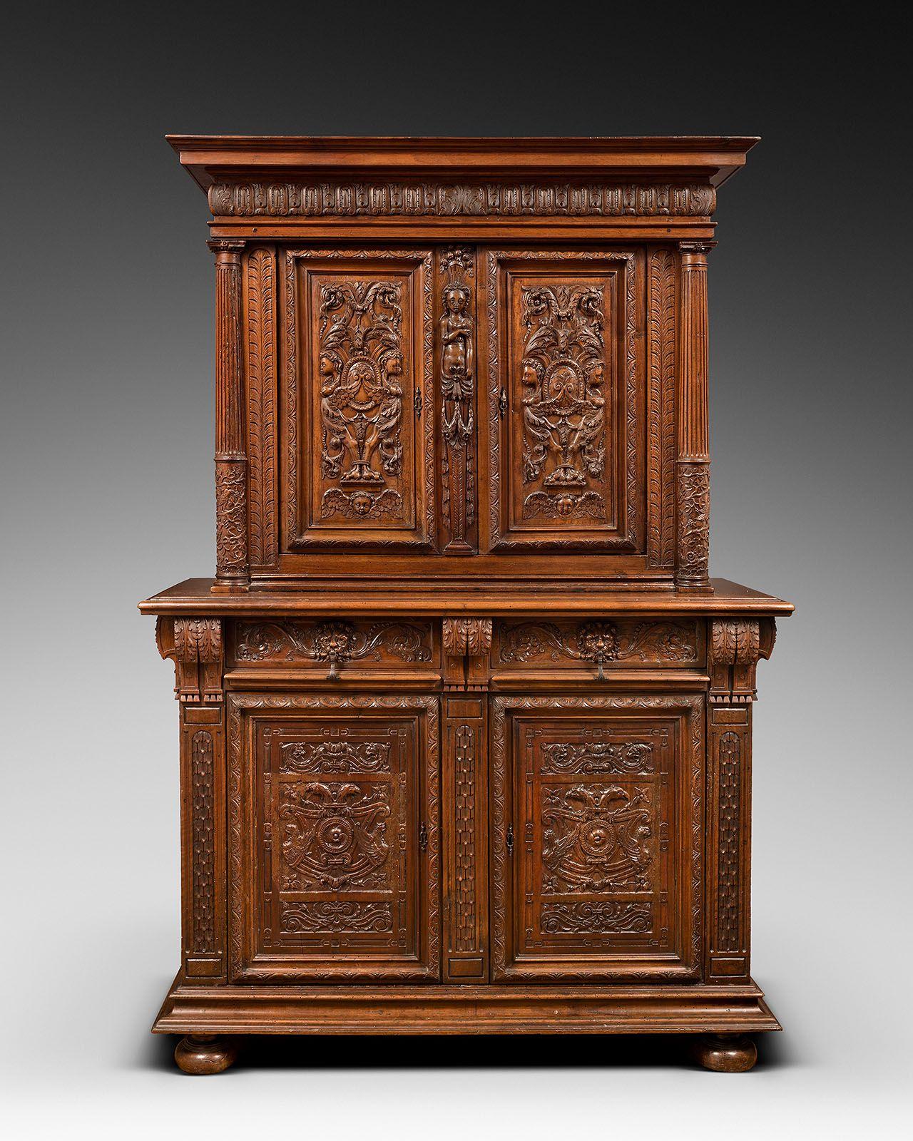 Cabinet En Noyer Sculpte France Atelier Burgondo Lyonnais Vers 1560 1580 Mobilier De Salon Armoire Antiquaire