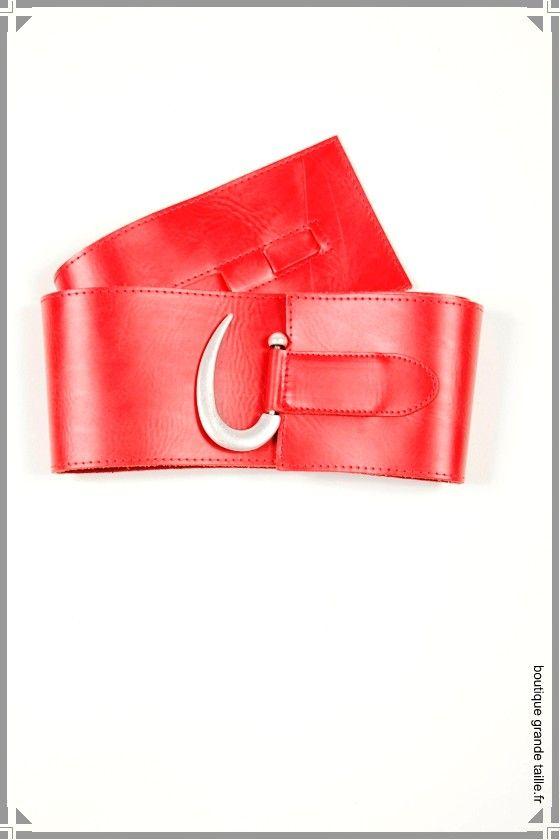 Ceinture rouge femme, cuir large, grosse boucle métal sur le ventre ... 946dd25fd7d