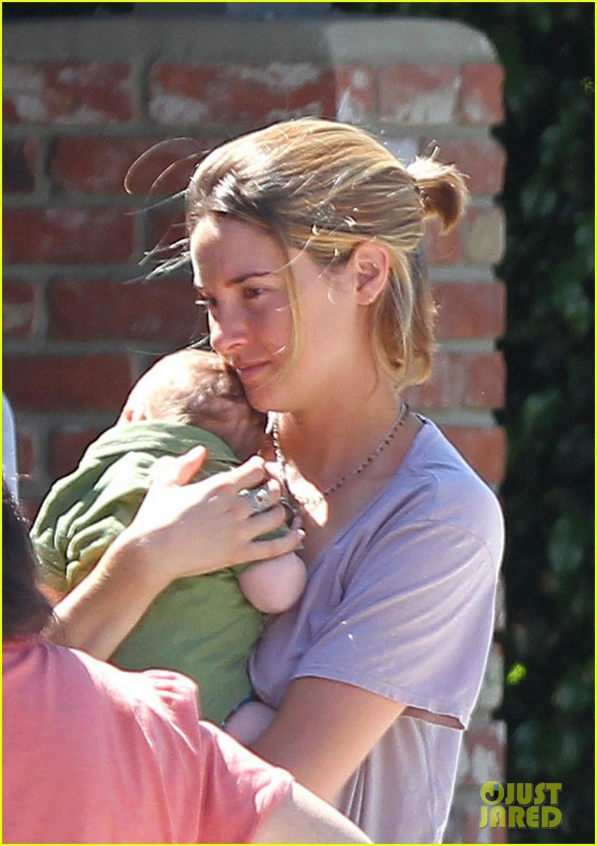 Shailene woodley cuts hair for fault in our stars role photo shailene woodley steps out for the first time since cutting her hair while visiting a