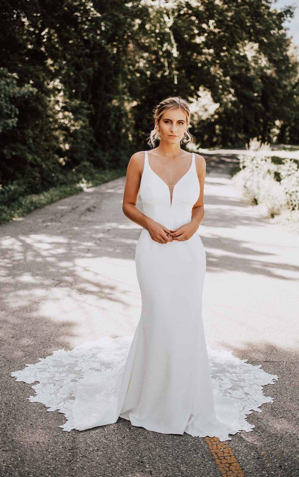Clean Sheath Wedding Dress With Organic Train Kleinfeld Bridal Essense Of Australia Wedding Dresses Fit And Flare Wedding Dress Sheath Wedding Dress [ 1536 x 963 Pixel ]
