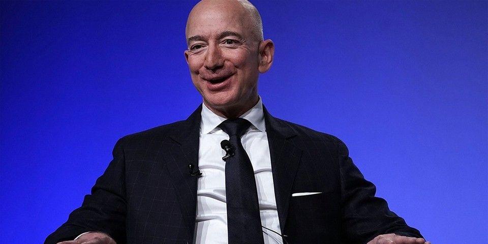 Jeff Bezos Net Worth Jumps 13 Billion Usd In Single Day In 2020 Jeff Bezos Amazon Jeff Bezos Bezos
