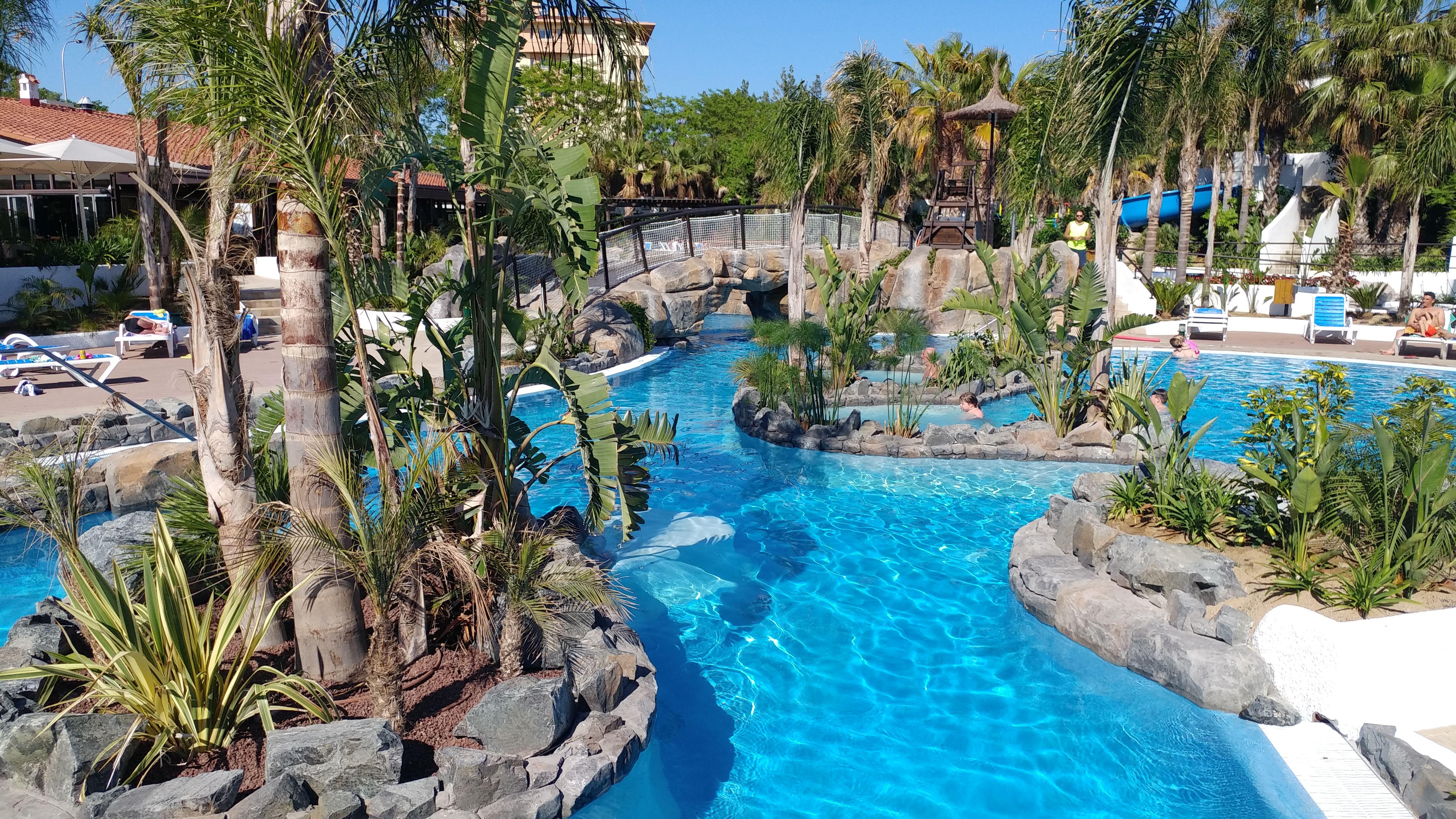 Islote De La Piscina Cenote La Siesta Salou Resort Camping