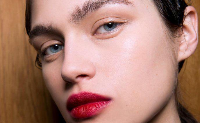 10 of Our Favorite Velvety Red Lipsticks Under $10 – Makeup with red lipstick