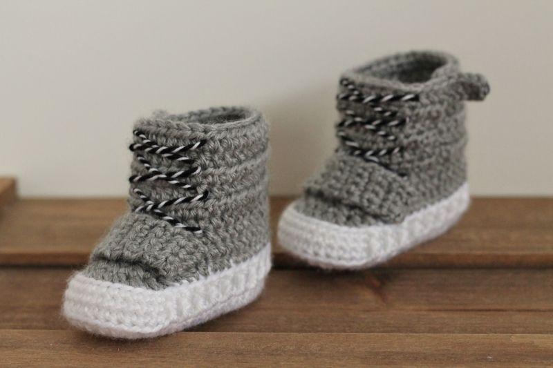 Fallon Boot crochet pattern by Inventorium | Bebé, Zapatitos crochet ...