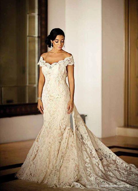 7e7ce9a285e Spanish Style Lace. Off-White Wedding Dress.  Elegant