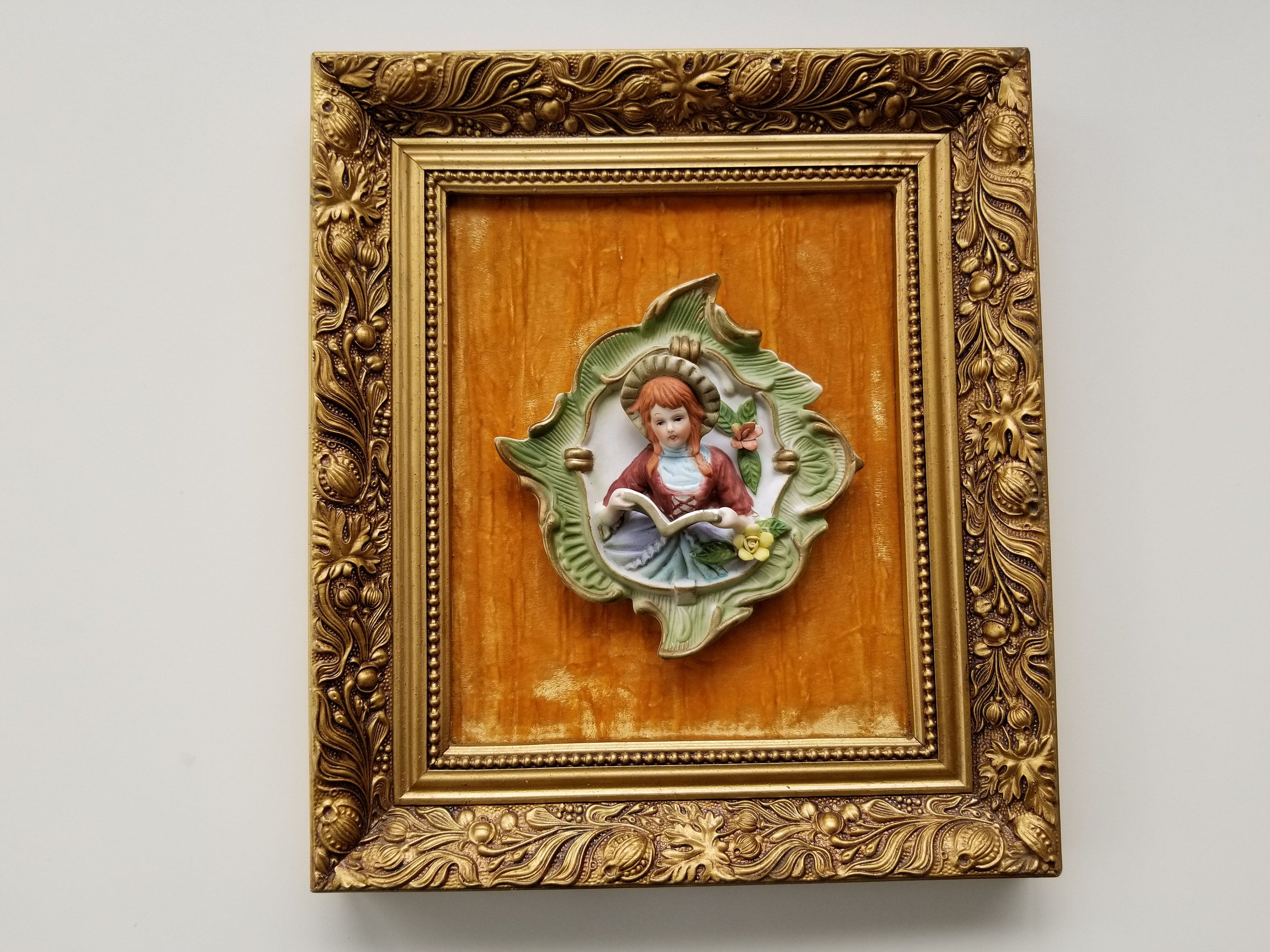 Ships In April Ornately Framed Porcelain Singer Figurine With Velvet Background 15 By 13 Inch Framed Singer Wall Hanging Gold Frame In 2020 Wall Hanging Frame Vintage Picture Frames