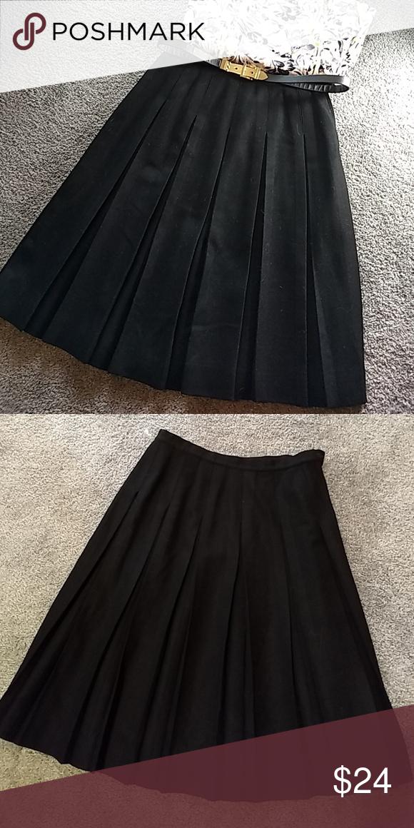 608de8d606 Vintage Permanent pleating skirt 100% wool, permanent pleating, no  repleating necessary , zipper in one side. Waist 14