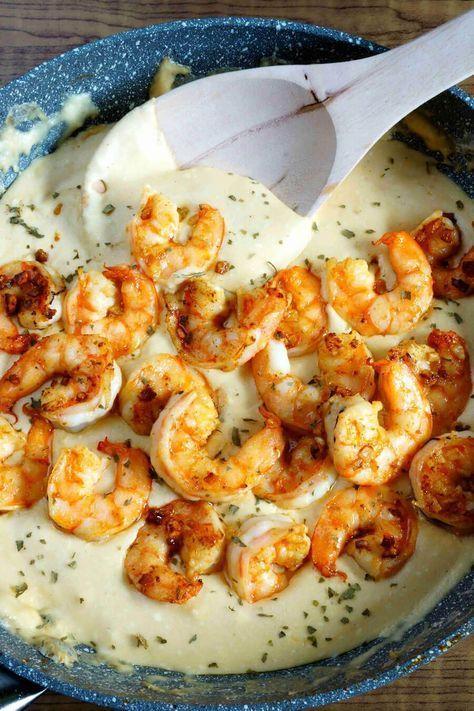 30 Minute Cheesy Garlic Shrimp Alfredo - Easy Peasy Meals