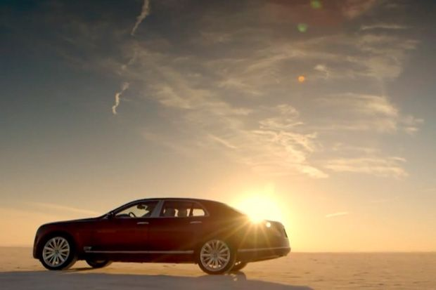 Watch Bentley's Monster Mulsanne Hit Almost 200 MPH.