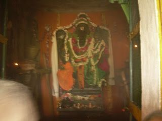 Bhoo Varahaswamy Temple is located in a tiny village named Kalhalli on the banks of river Hemavati. This is one of the prominent places near Mysore.  The temple is is dedicated to the third incarnation of Lord Vishnu, the Varahaswamy or the wild Boar form.The deity is supposed to have mysterious powers.The idol is 18 feet tall, is monolith made of grey stone.  The god is in a sitting pose with goddess Bhoodevi seated on his left lap.