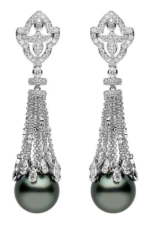 Yoko London Tahitian pearls earrings in white gold and diamonds.