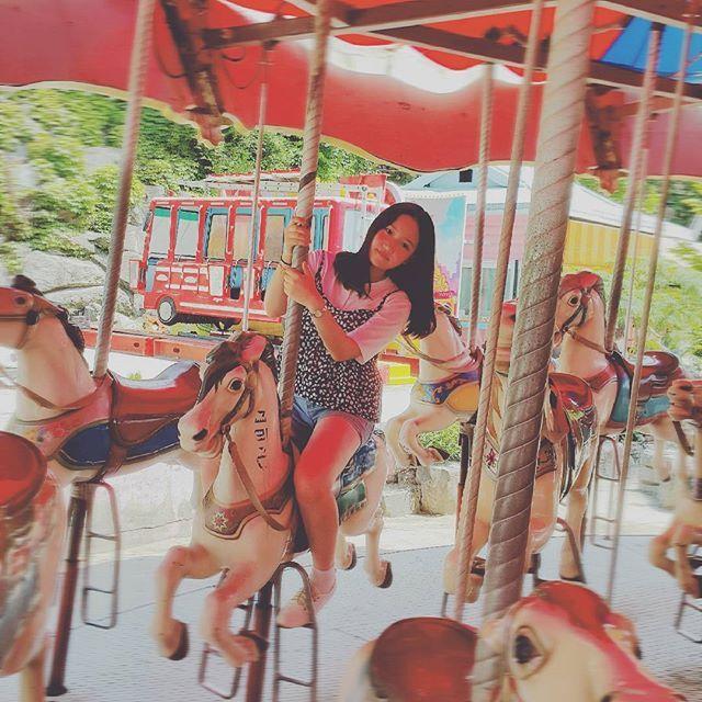 Instagram media by inallages_09.08 - 용마랜드🎠 . . . #용마랜드 #용마공원 #놀이공원 #폐놀이공원 #회전목마 #00년생 #17살 #고1 #일상  #팔로우 #fallow #팔로우미 #fallowme