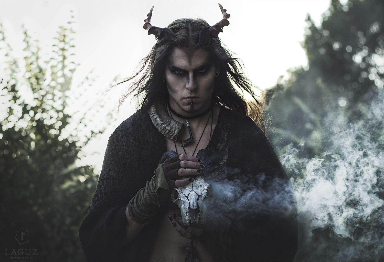 'Helvegen' with Siroj's Tenebris by Laguz Photography.  'Når du ved Helgrindi står og når du laus deg må riva skal eg fylgje deg Du blir løyst frå banda som bind deg!'  Inspired by Wardruna.   #2015 #blue eyes #enchanted #gothboy #helegen #horns #male #model #mystical #mythical #mythological #mythology #Norse #pagan #portrait #siroj #skull #smoke #Wardruna
