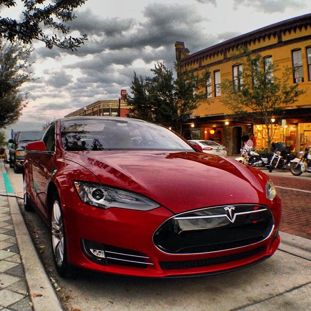 Red Luxury Cars: Support Florida EV Tax Exemptions With Plug In America