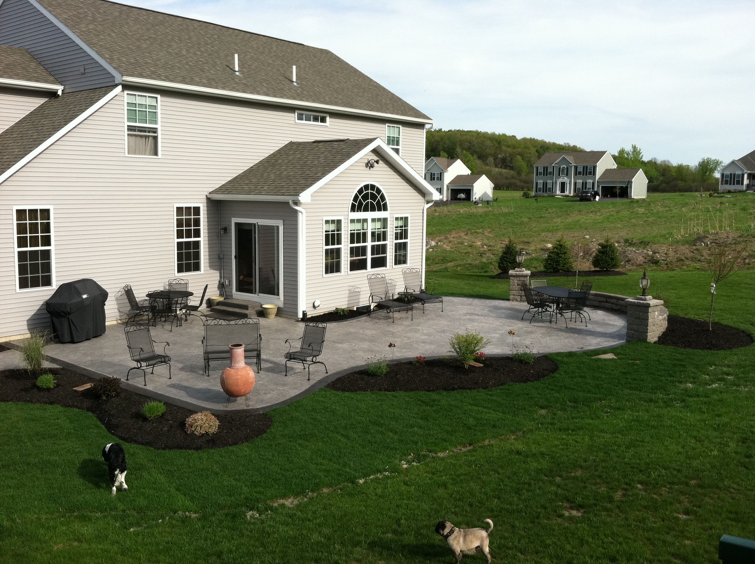 Ideal Size And Shape Would Want A Wall On The Opposite Side Too Outdoor Patio Designs Concrete Patio Designs Concrete Patio