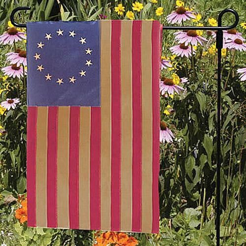 13-Star Garden Flag | Sturbridge Yankee Workshop