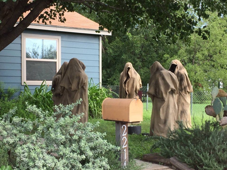 Best Halloween Decorations Austin 2020 Nazgul meeting spotted in Austin : lotr | Дом на хэллоуин, Картинки