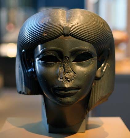 Head from a female sphinx, chlorite, Egypt, c. 1876–42 bce; in the Brooklyn Museum, New York. 38.9 × 33.3 × 35.4 cm.