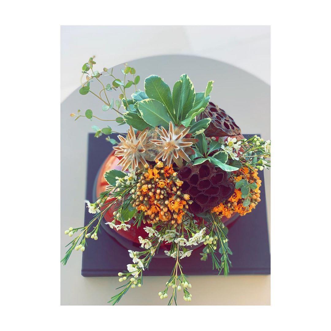Centerpiece masterpiece  #inspiredbynature_  #florallife #livingartcreations #miamiflorist #flowerpower #pktgarden  #flowersubscription #floristlife  #flowerdesign #flowerlover #natureinside  #interiorscape #miamilife #miamiheat  #celebrate #givelove #beremembered