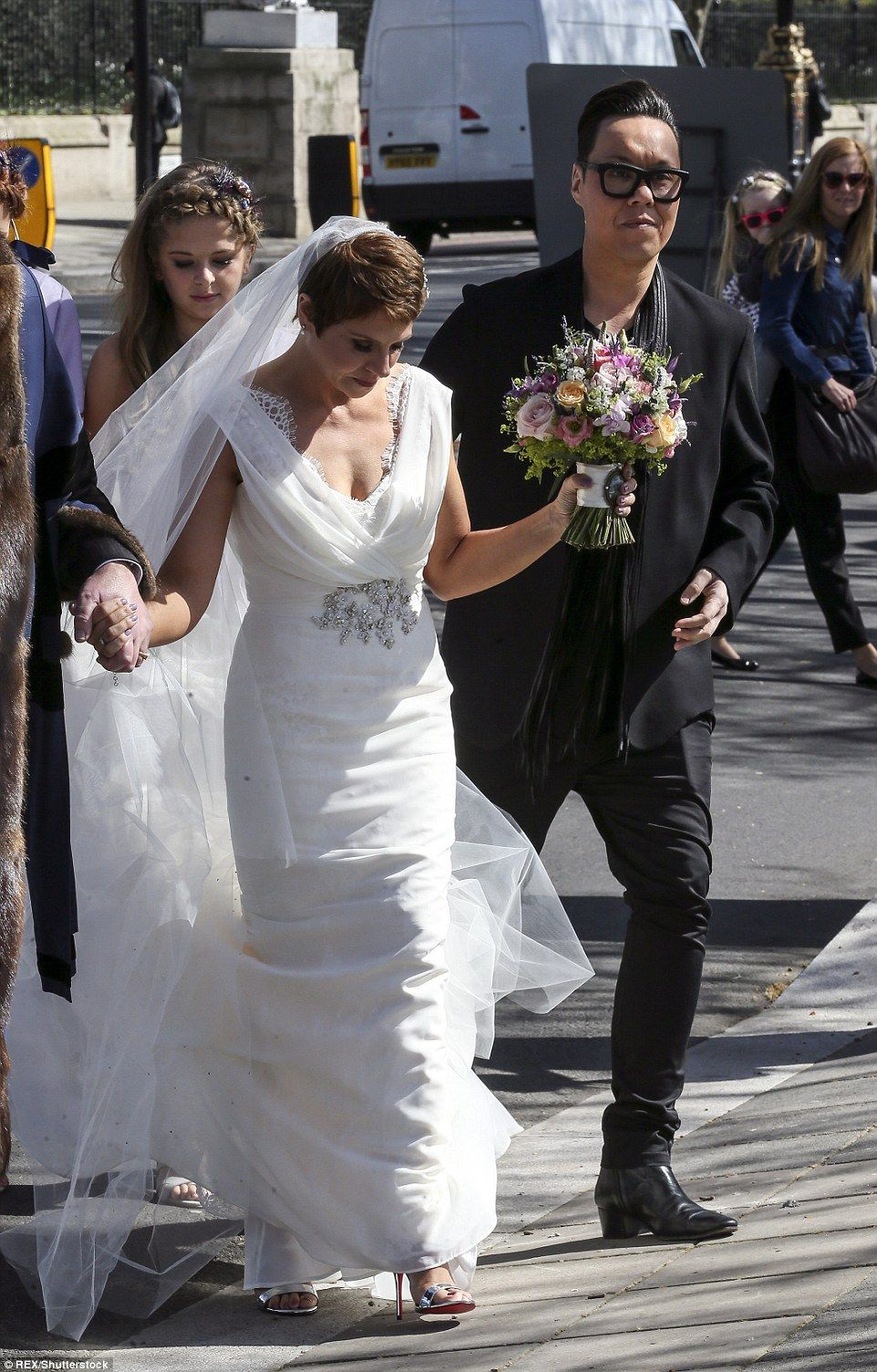 Cancer Survivor Gets Her Dream Wedding On This Morning Gok Wannavy Lace Dresseswedding