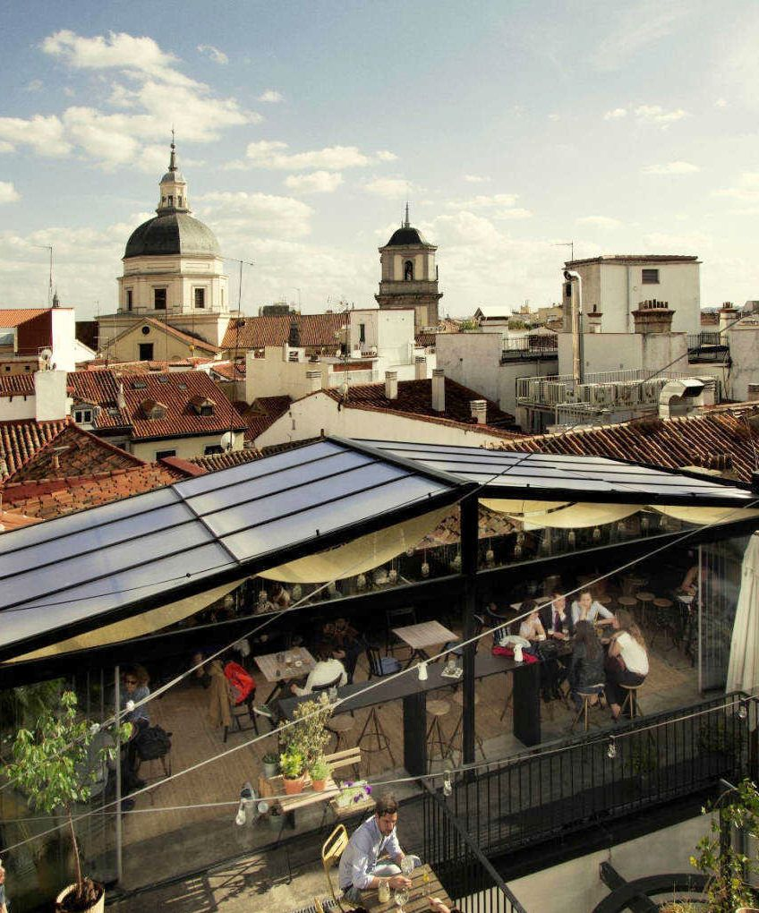 Una Tranquila Terraza En Una Azotea Calle Imperial 9 Barrio De La Latina Madrid Viajar Por Espana Terrazas Terrazas Madrid