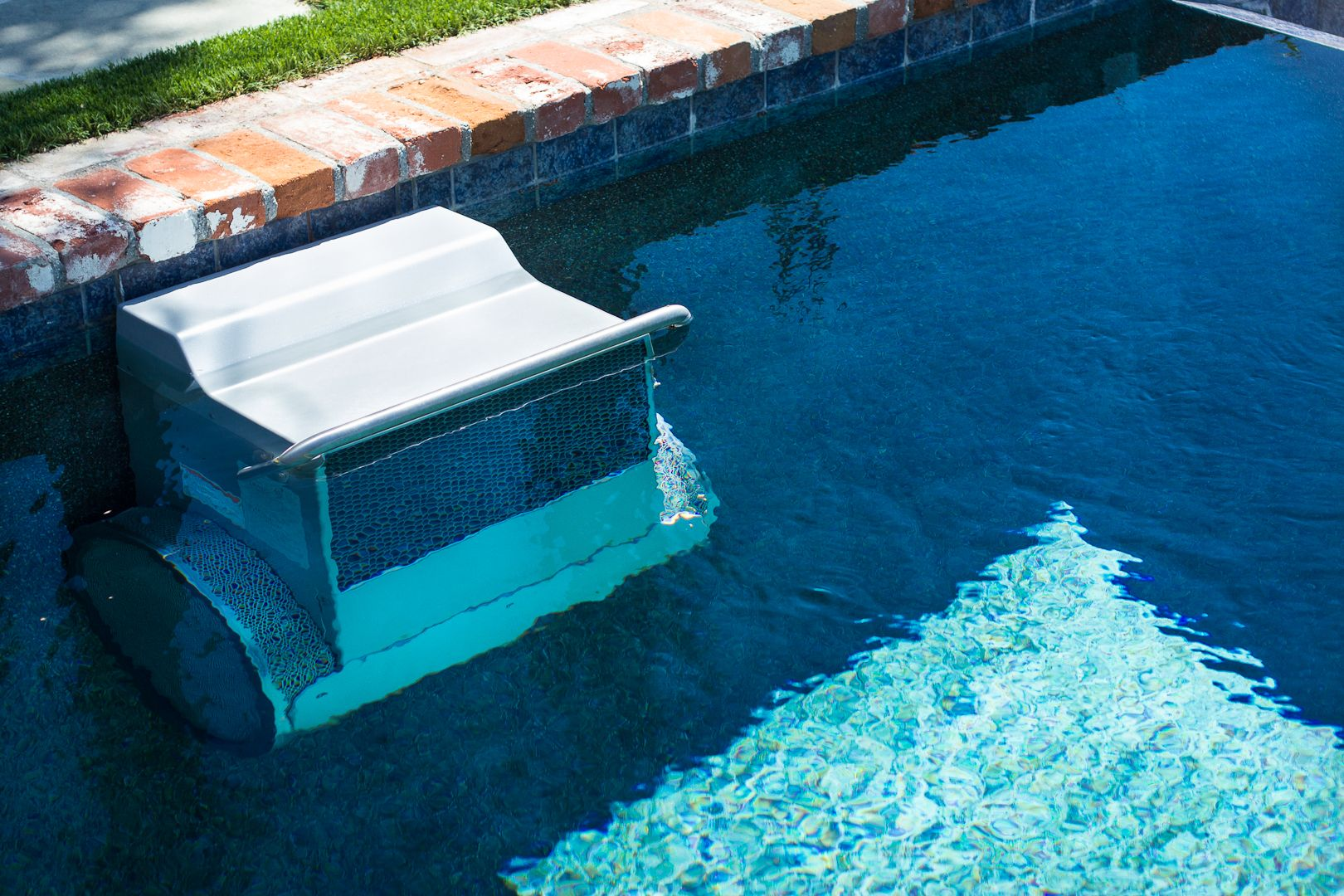This Endless Pool Wave Machine Is Great For Getting Exercise In Your Own Pool Do Laps In Your Poo Swimming Pool Waves Beach Entry Pool Swimming Pools Backyard