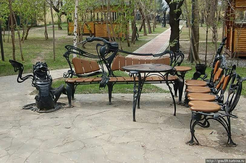 Forged benches at a Russian Park | table and chairs | Pinterest ...