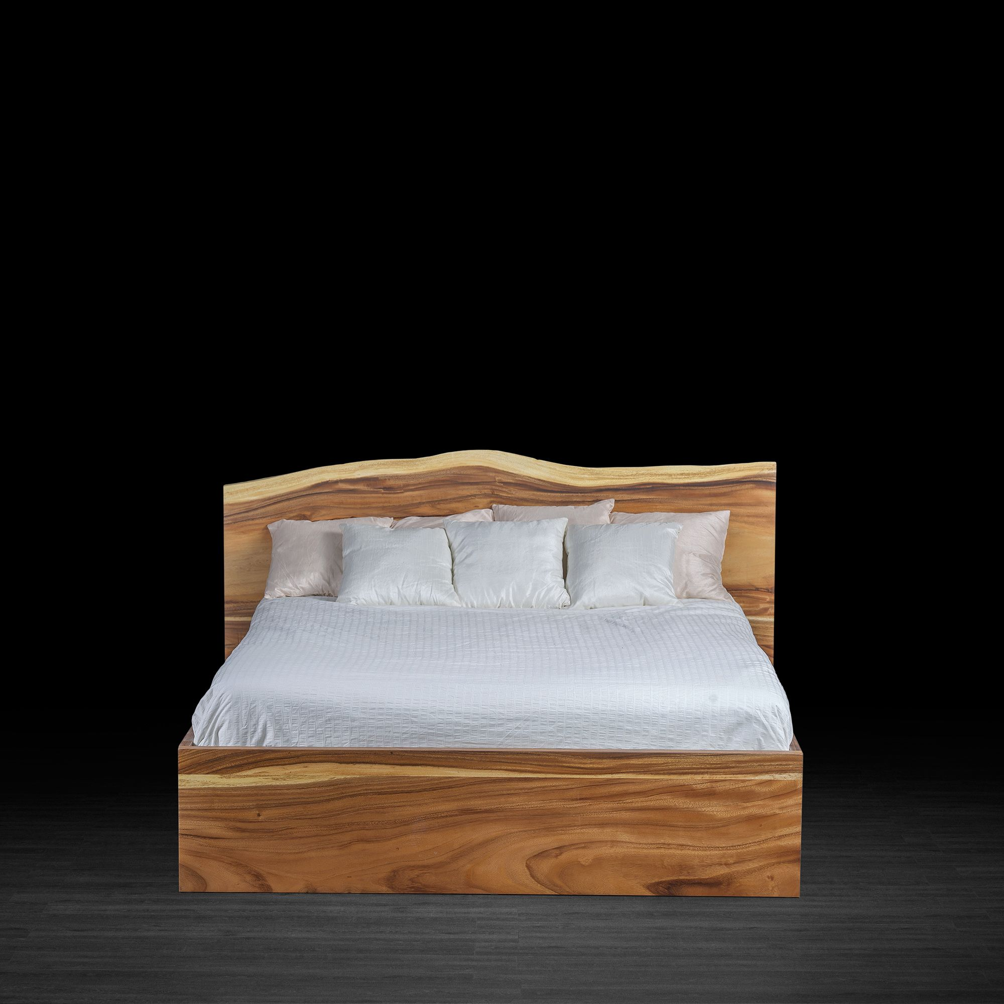 Premium Freeform Bed Made Of Suar Wood Love The Natural Line Of The Headboard Avec Images Decoration Chambre Lit Meuble