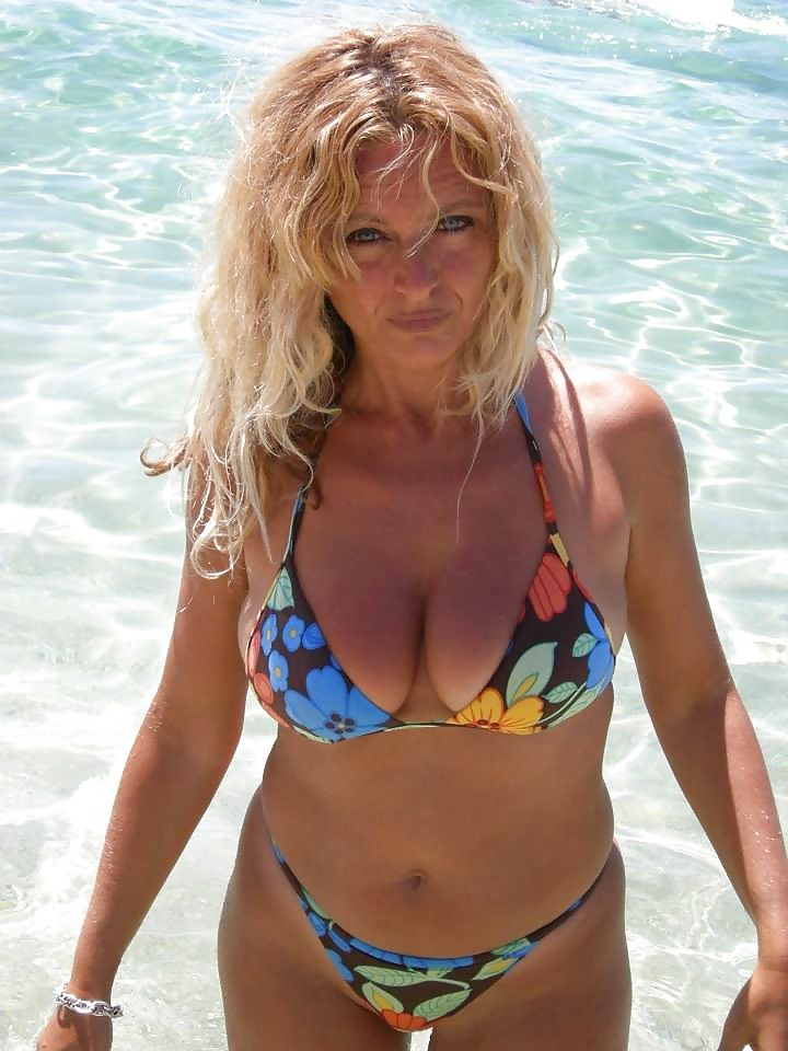 Hot Babe Milf Blonde On The Beach