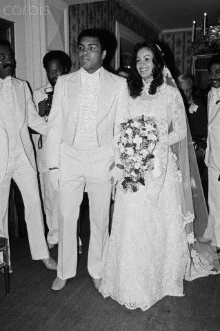 Muhammad ali veronica porche on their wedding day in 1977 american boxer muhammad ali marries actress and supermodel veronica porsche thecheapjerseys Choice Image