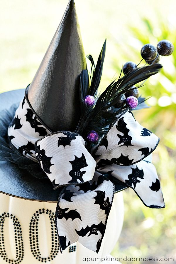 Black And White Glam Pumpkin Halloween Projects Halloween Diy