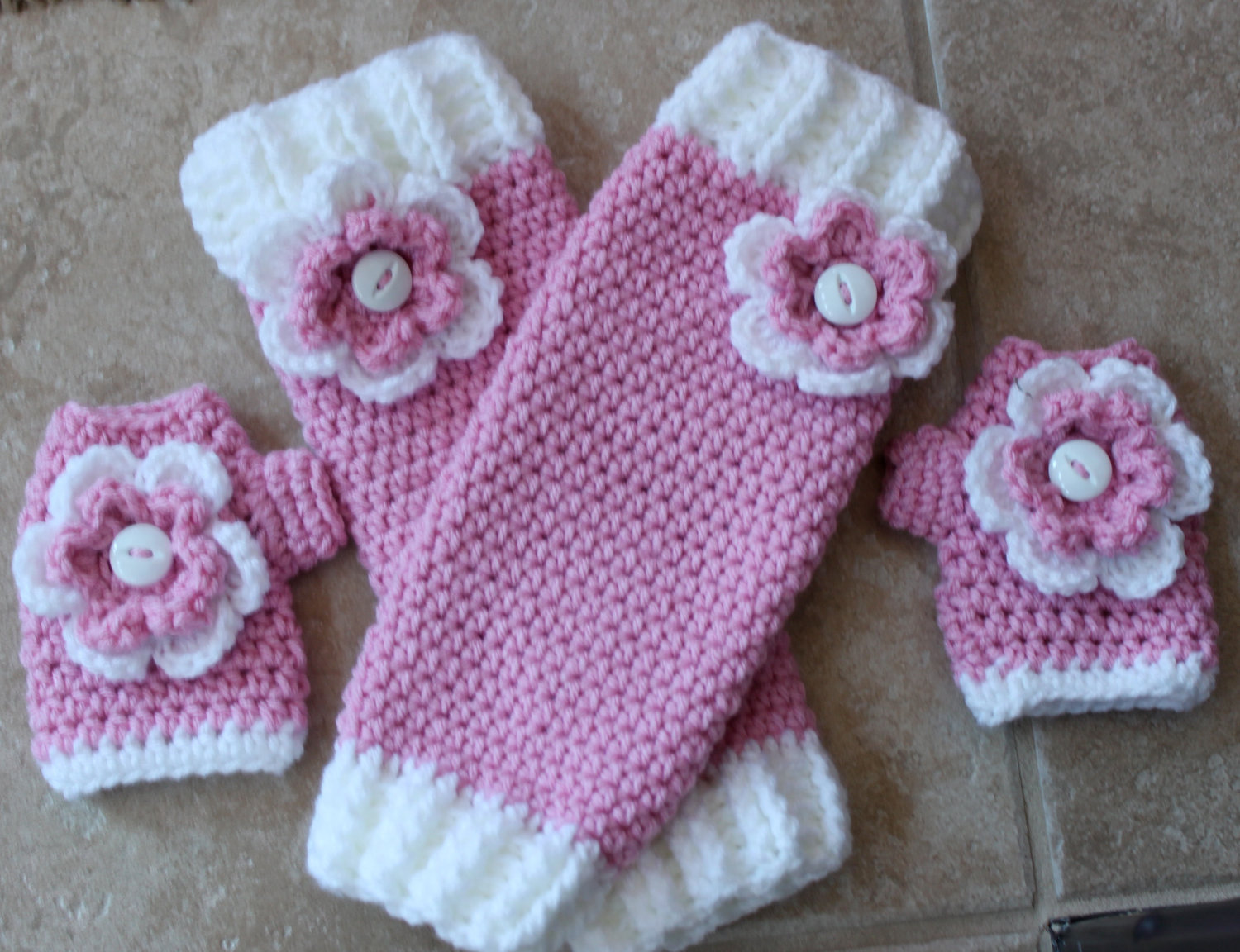 Leg Warmers and Mittens Set. $30.00, via Etsy. | cachecol | Pinterest