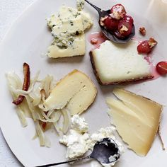 Food & Wine's Ideal Summer Cheese Plate