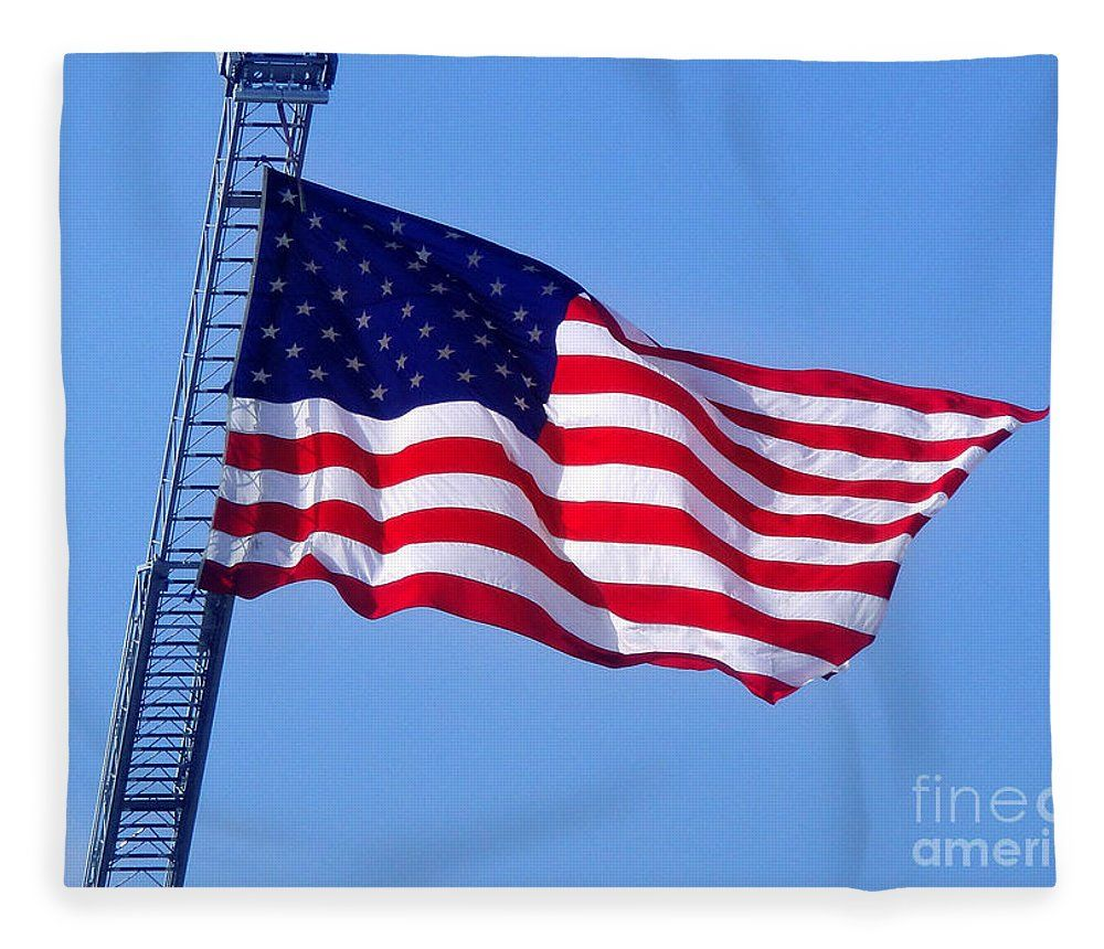 American Flag Big Bright And Beautiful Fleece Blanket For Sale By Sofia Metal Queen Usa Flag Art American Flag Soft Throw Blanket