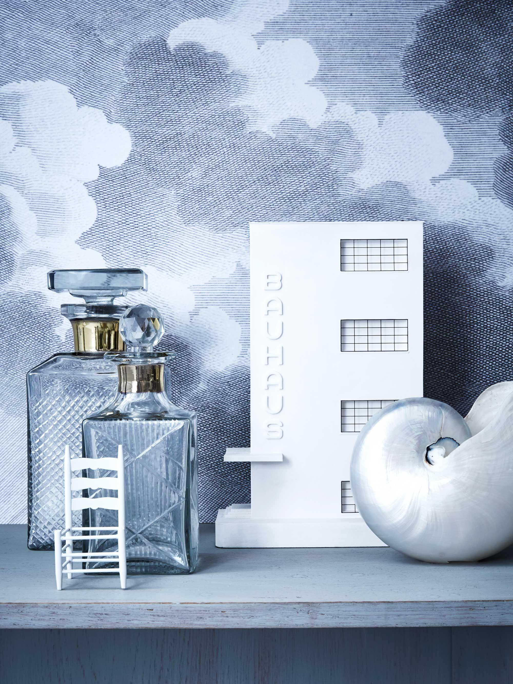 Whiskeyflessen  Glass decanter  Wolken behang  Clouds