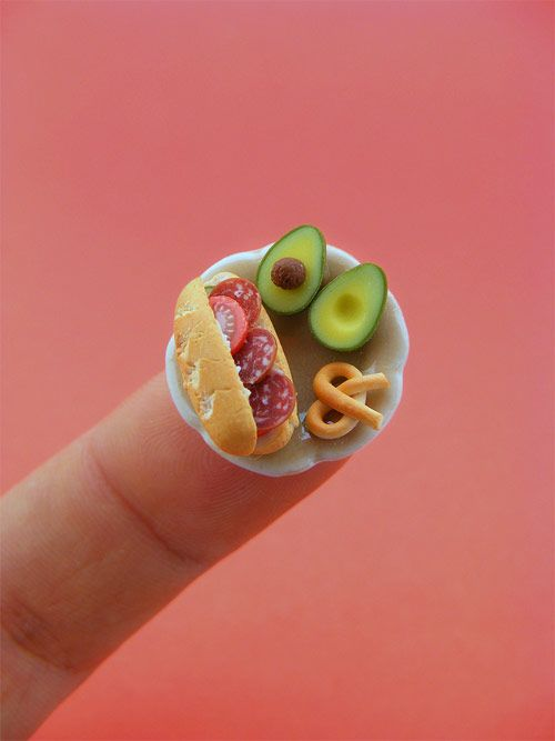 Oh my goodness! These tiny foods are so cute. But considering my lack of dollhouse, I don't see a reason to make them just yet.
