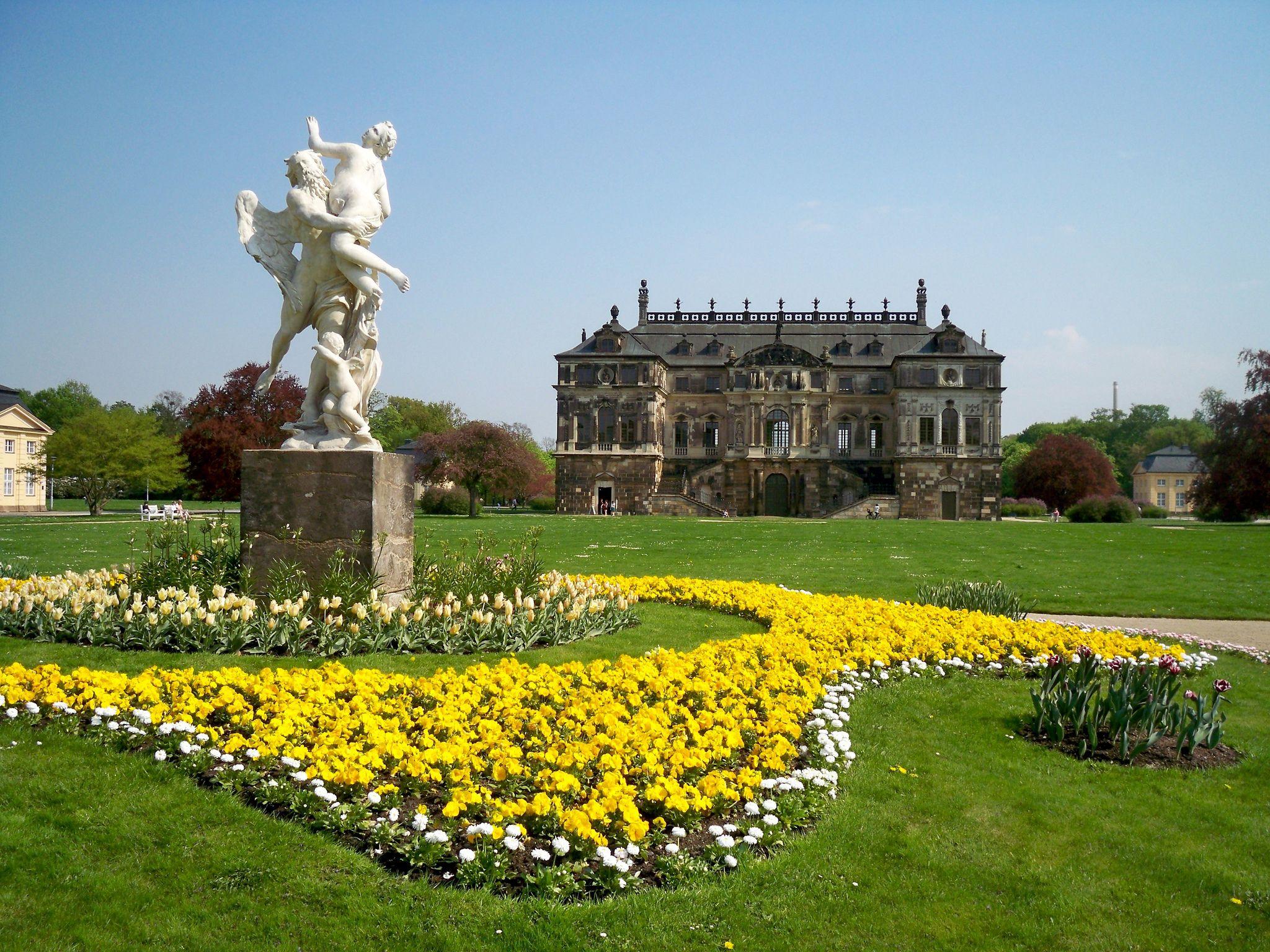 Palais Im Grossen Garten Dresden C Augustustours Urban Park Dresden Park